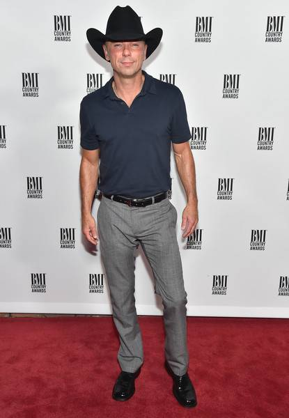 Kenny Chesney Lifestyle, Wiki, Net Worth, Income, Salary, House, Cars, Favorites, Affairs, Awards, Family, Facts & Biography - 1567720339 111 Kenny Chesney Lifestyle Wiki Net Worth Income Salary House Cars