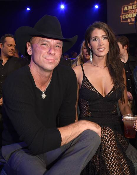 Kenny Chesney Lifestyle, Wiki, Net Worth, Income, Salary, House, Cars, Favorites, Affairs, Awards, Family, Facts & Biography - 1567720339 568 Kenny Chesney Lifestyle Wiki Net Worth Income Salary House Cars