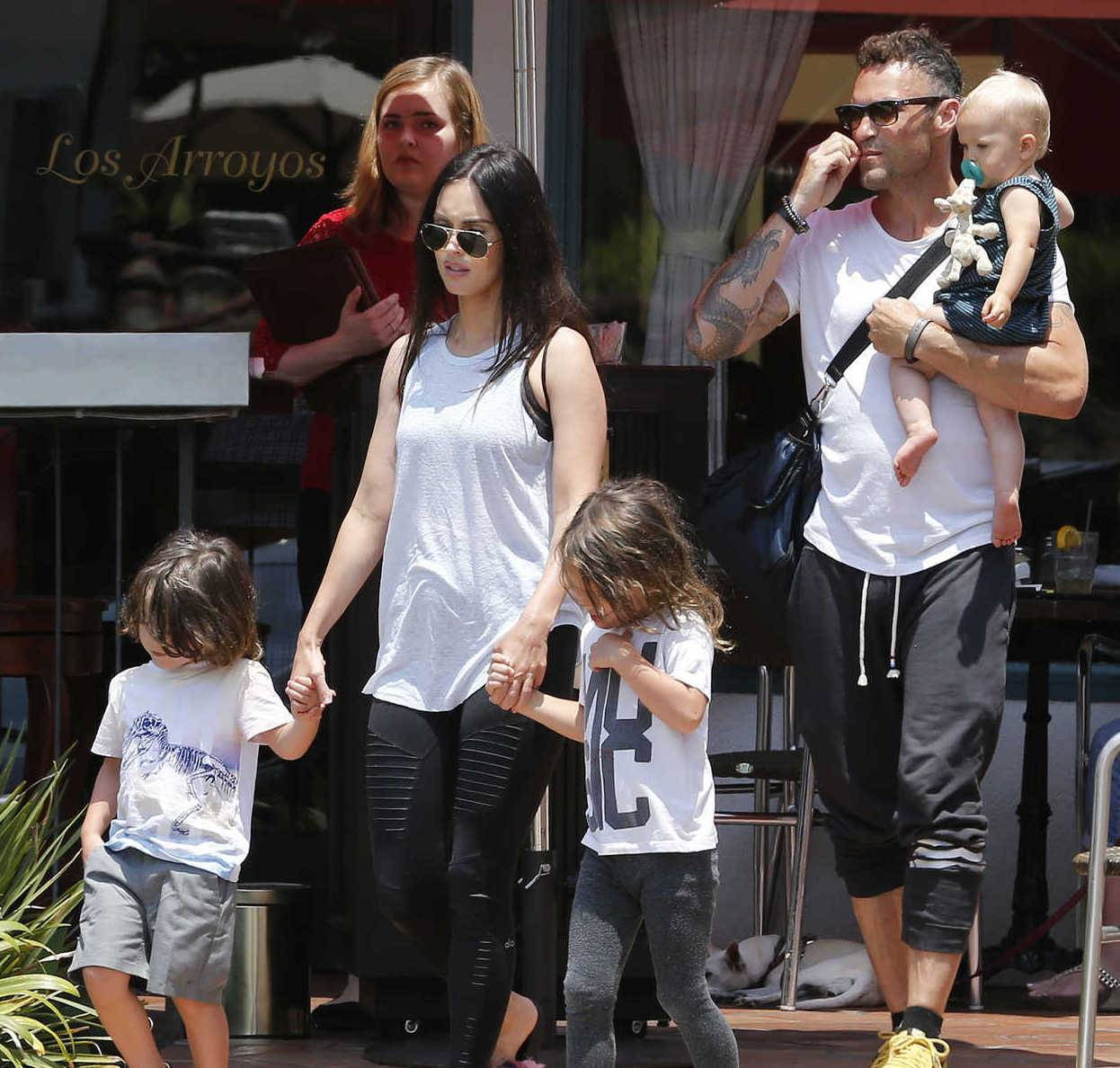 "Noah Shannon Green family ""data-caption ="" Megan Fox, Brian Austin Green and their children. ""Data-source ="" @ celebsta.com"
