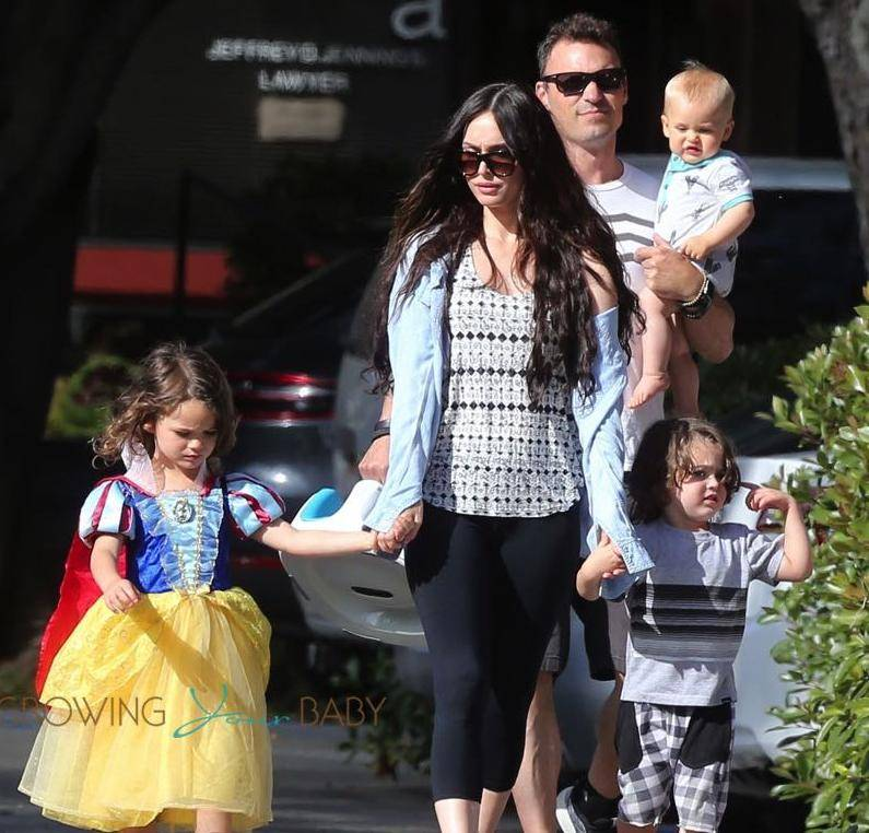"Brian Austin Green Family ""data-caption ="" Brian Austin Green, Megan Fox and their children. ""Data-source ="" @ growingyourbaby.com"