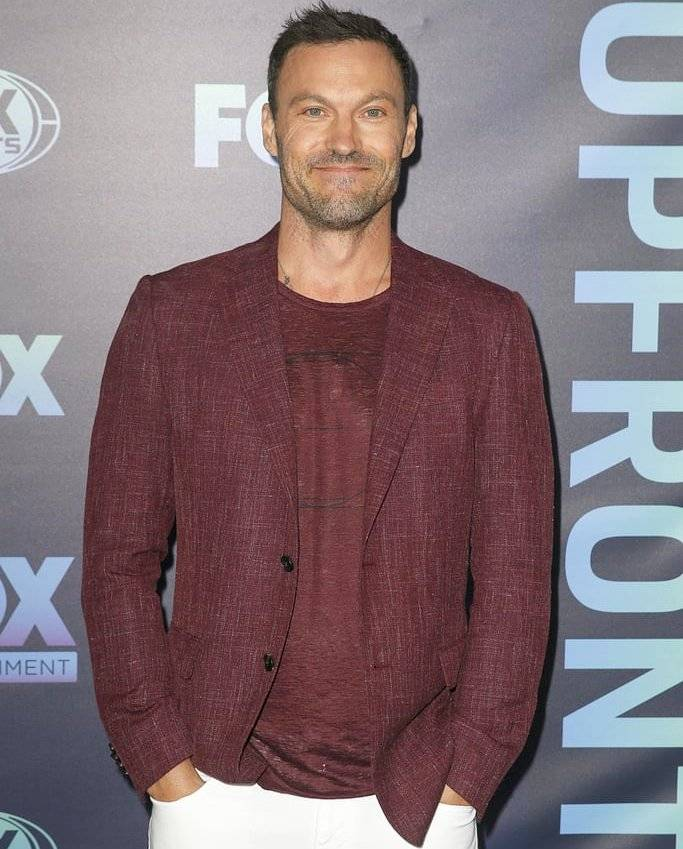 "Brian Austin Green Career ""data-caption ="" Star of Beverly Hills 90210 Brian Austin Green. ""Data-source ="" @ popsugar.com"
