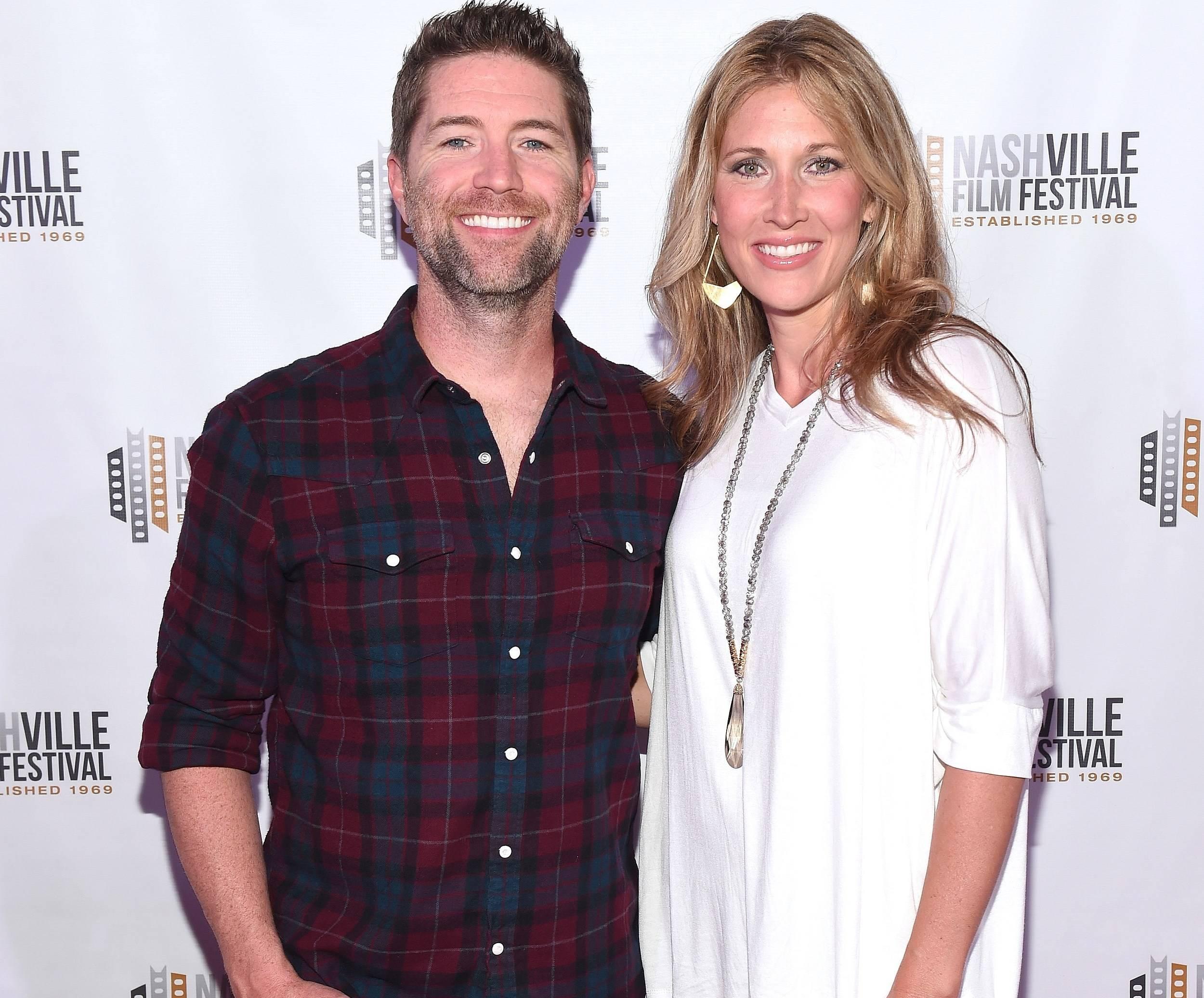 Josh Turner wife