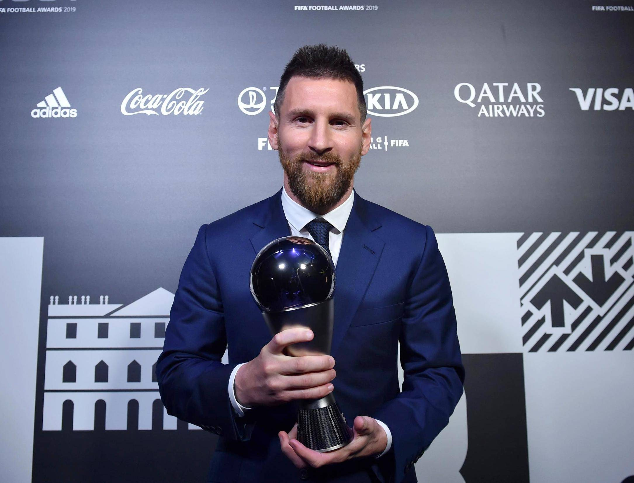 "FIFA Awards ""data-caption ="" Lionel Messi wins the 2019 FIFA Best Male Player Award. ""Data-source ="" @ independent.co.uk"