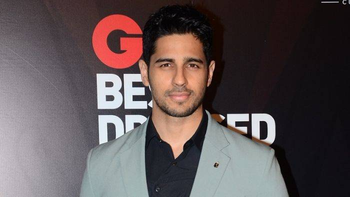 Sidharth Malhotra Wiki, Income, House, Cars, Favorites, Affairs, Awards, Family, Facts & Biography - Sidharth Malhotra Lifestyle Wiki Net Worth Income Salary House Cars
