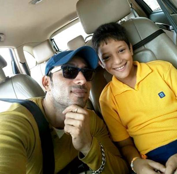 Hrishikesh Pandey with his son