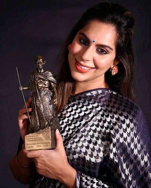 Upasana Kamineni with the Mahatma Gandhi Award