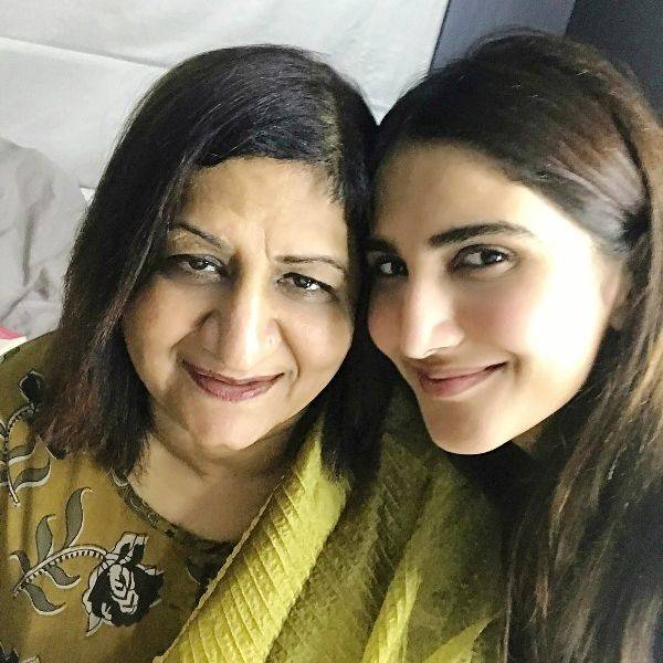 Vaani Kapoor with his mother