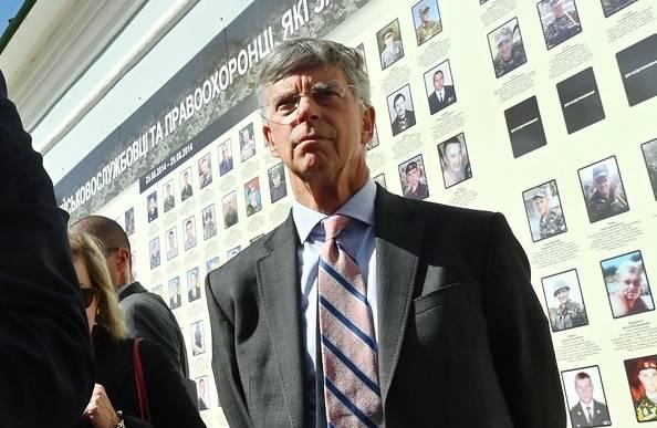 Bill Taylor Diplomat