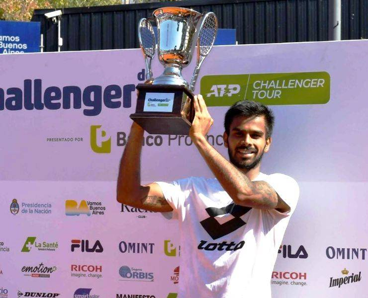 Sumit Nagal with his trophy ATP Challenger Tour