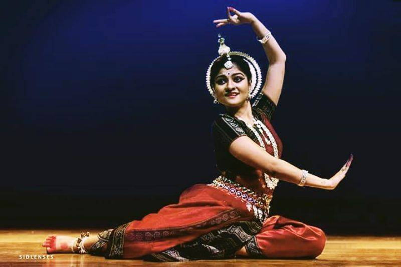 Prakruti Mishra performing on stage