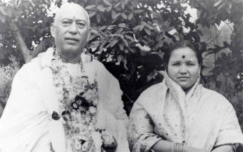 Suyash Rawat's grandparents