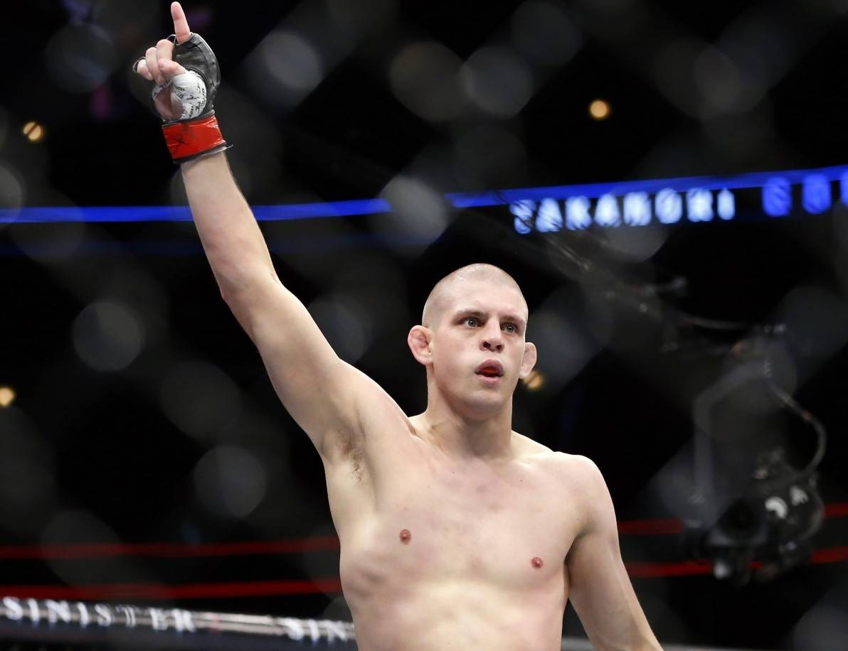 Joe Lauzon Record