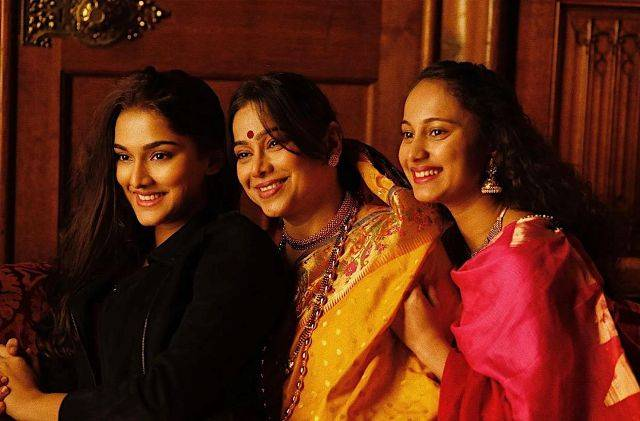 Saiee Manjrekar with her mother and half-sister, Gauri Ingawale