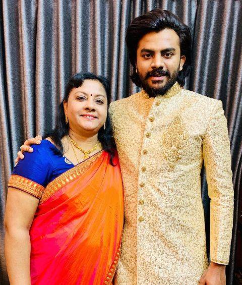 Chandan Shetty with his mother
