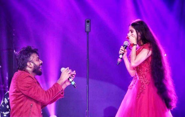 Chandan Shetty offers Niveditha Gowda
