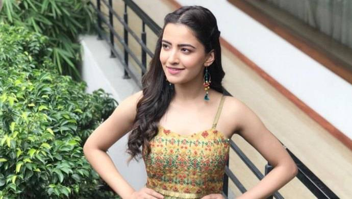 Rukshar Dhillon Biography, Height, Weight, Age, Size, Family, Net Worth - Rukshar Dhillon Biography Height Weight Age Size Family Net Worth