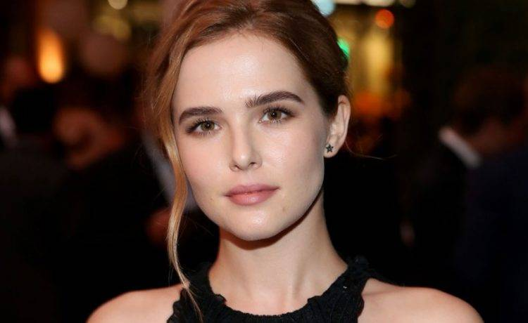 Zoey Deutch Biography - Zoey Deutch Biography