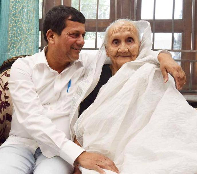 Achyuta Samanta with her mother