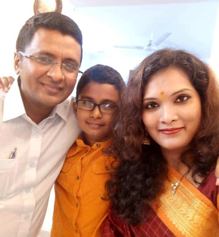 Geeta Mali with her husband and son
