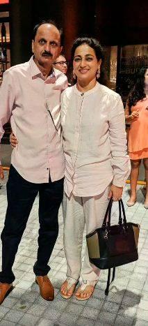 Kusha Kapila's parents