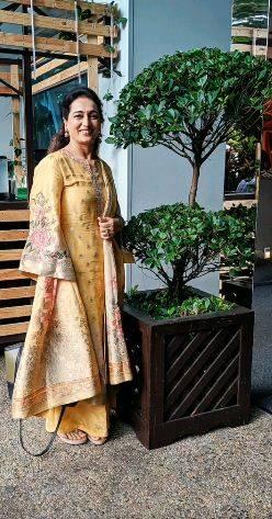 Kusha Kapila's mother