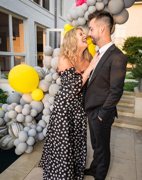 "Lauren Alaina with John Christ ""data-caption ="" Always laugh with this balloon. J @johnbcrist ""data-source ="" https://www.instagram.com/p/BxqPFswn3Nx/"