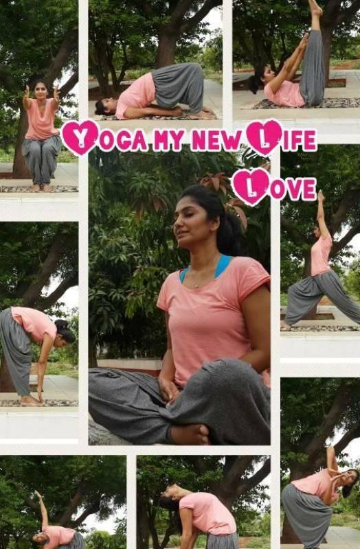Anchor Jhansi doing yoga