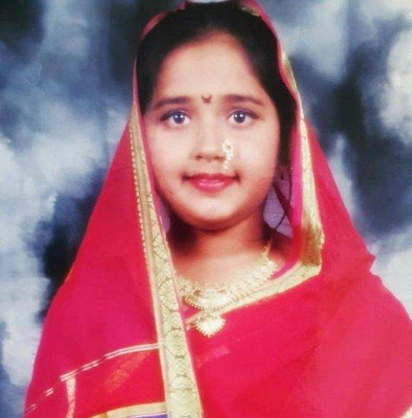 Childhood photo of Kajal Raghwani
