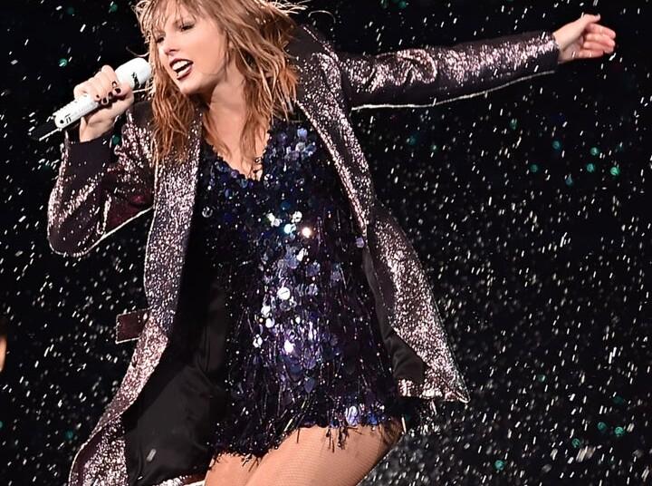 Taylor Swift Singer