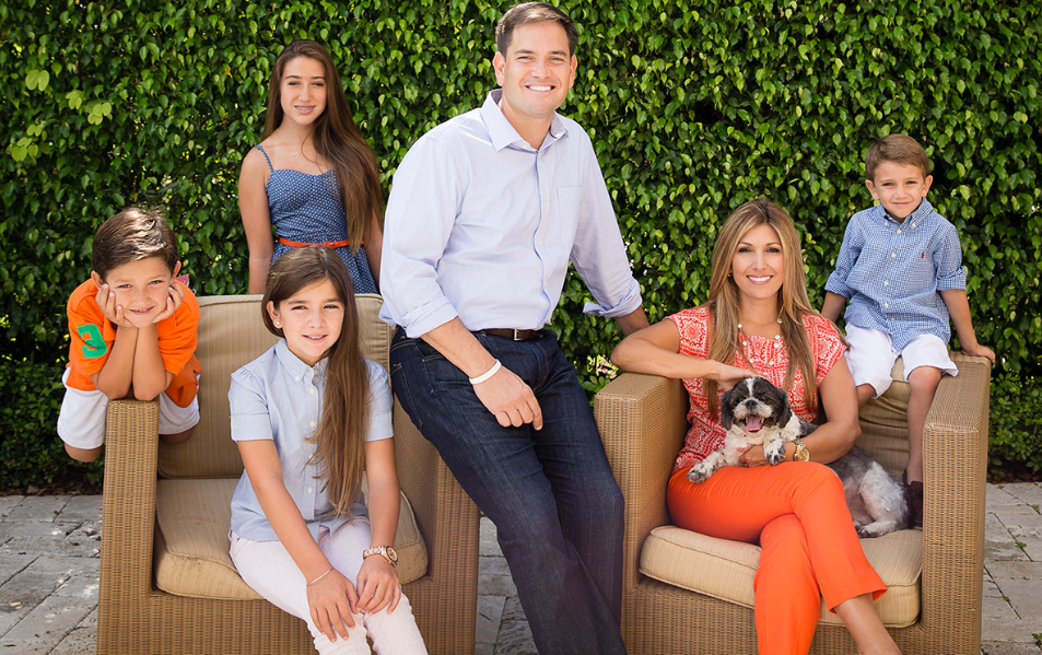 Marco Rubio with her wife and children