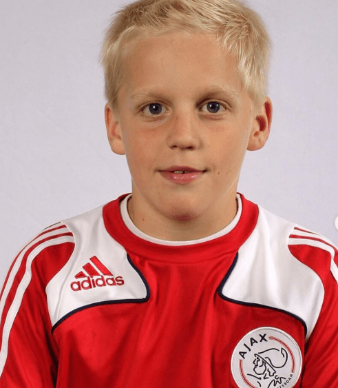 Donny van de Beek's childhood photo with the Ajax team jersey