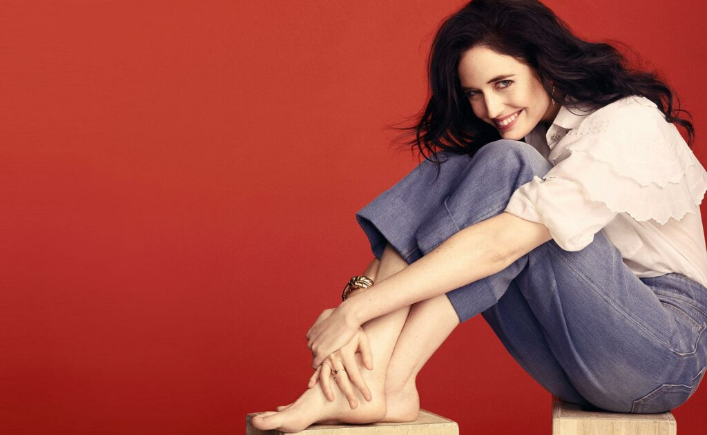 Eva Green Biography, Height, Weight, Age, Size, Family, Affairs - Instagram photos of Eva Green