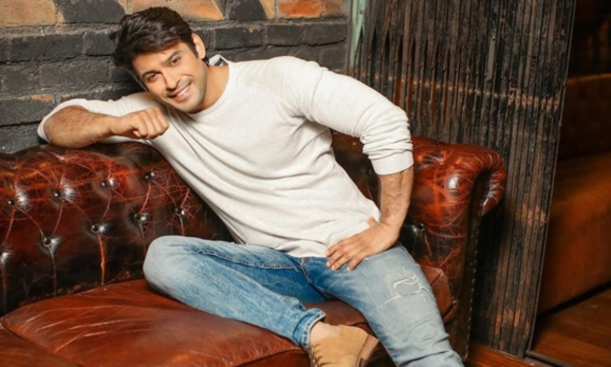 Siddharth Shukla Biography, Wiki, Age, Girlfriend, Wife, Family, Career - Siddharth Shukla Bio Wiki