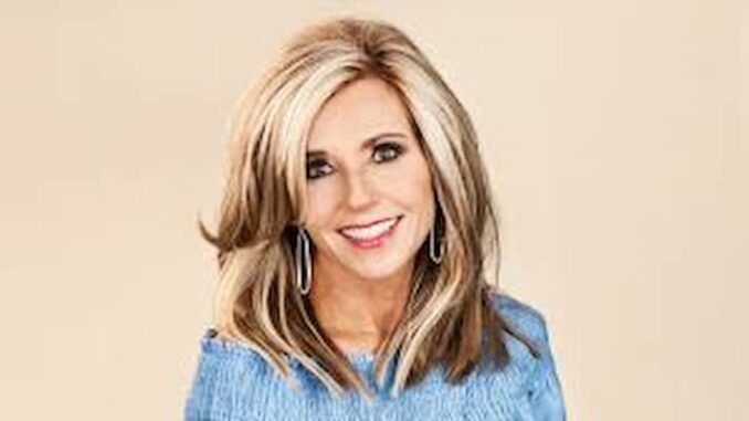 Beth Moore Bio, Age, Husband, Kids, Church, Net Worth, Books, Salary - Beth Moore Bio Age Husband Kids Church Net Worth Books