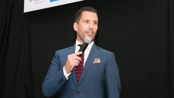 Pat Tomasulo Bio, Age, Wife, Family, WGN, Height, Net Worth, Salary - Pat Tomasulo Bio Age Wife Family WGN Height Net Worth