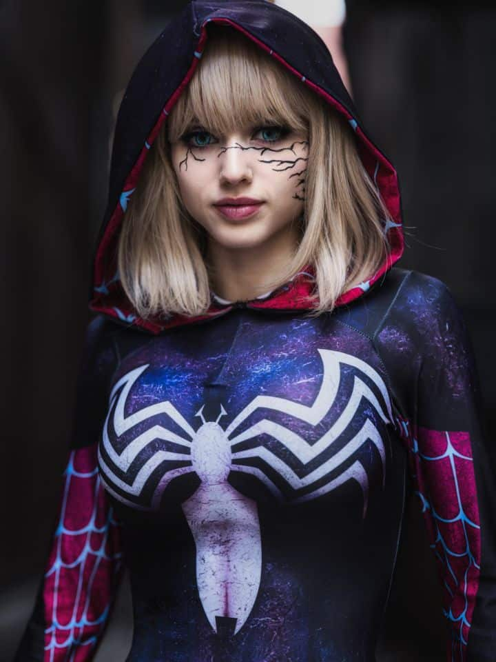 Caitlin Cyrusa, cosplayer, age